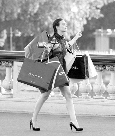 Une Accro du Shopping !