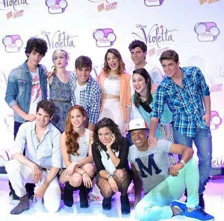 violetta backstage: visite le studio On BEAT