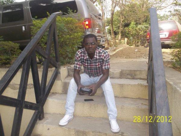 à la maison à Abuja