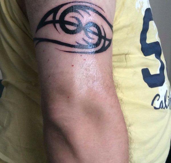 Mon nouveau tatoo signe du cancer en tribal