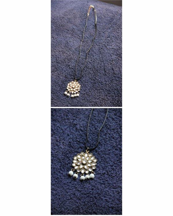 Mai 2015 : collier pendentif et ruban de satin gris foncé, création AGAPPA