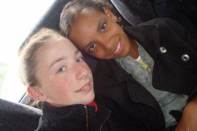 MelAnie &é MAilys ~ 12 ans  ~ SAinte-Marie~ Ploufragan