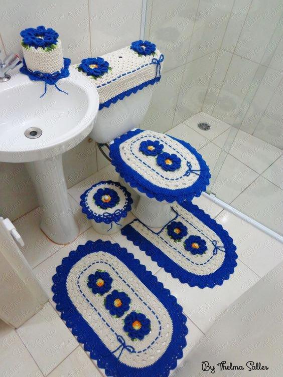 Crochet pour la salle de bain et les toilettes.