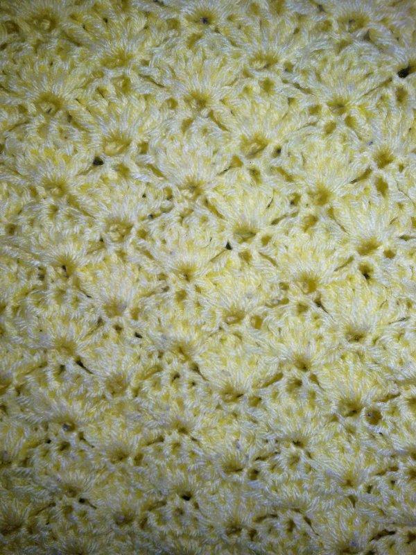 Ancienne création au crochet, taille 2:3 ans.