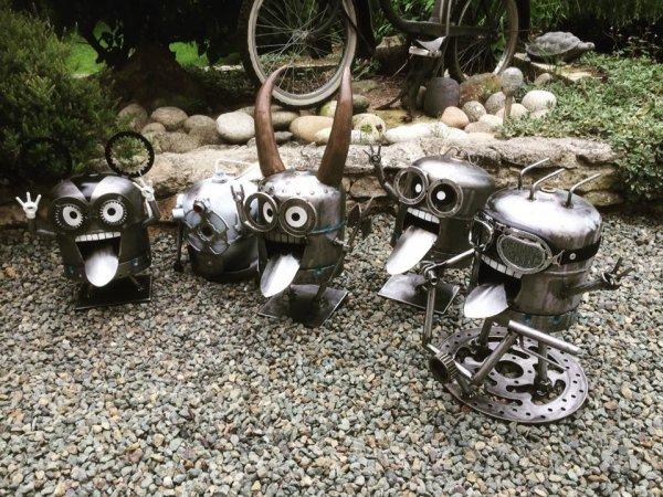 famille de minions avec bouteilles de gaz par Falko