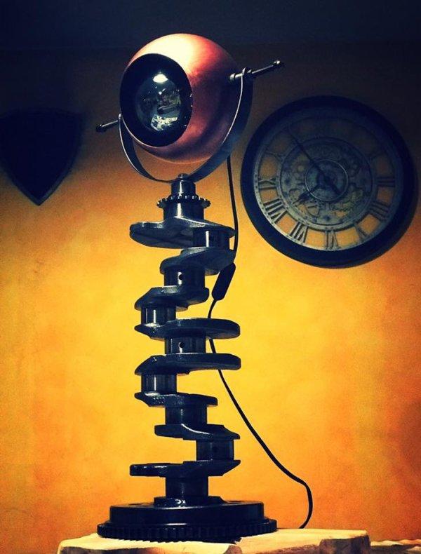 Lampe avec villebrequin par Falko