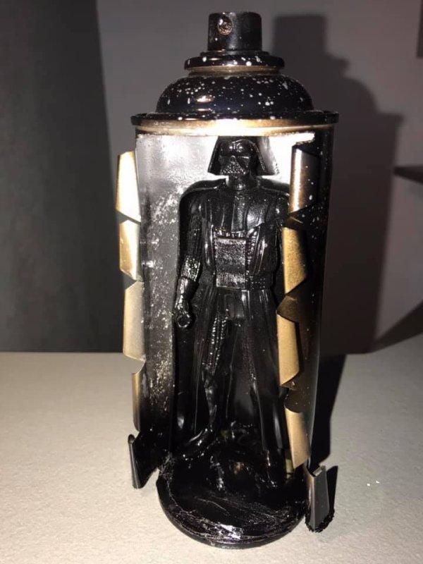 bombe de peinture Star Wars Dark Vador par Falko