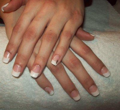 ongles en resine ou gel