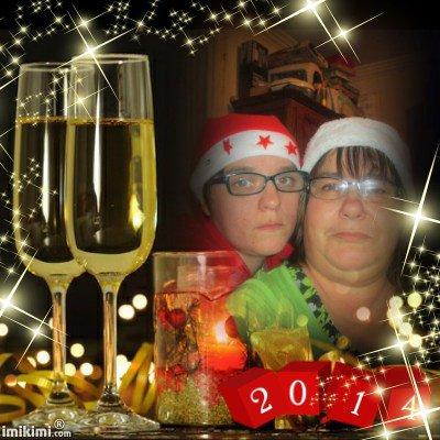 cadeau pour mon amie poupoun85653 meilleurs voeux pour l'a2014 de la part de princesse lisa et romeo et moi des gros bisous