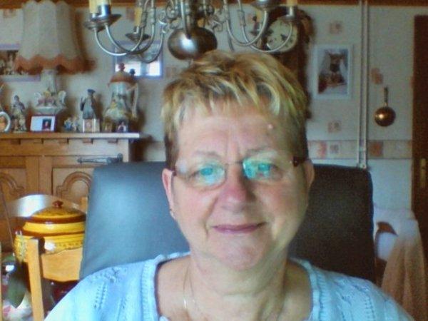 bonjour a vous tous j'ai fait quel photos de moi avec ma cam aujour d'hui a 14h50 gros de moi