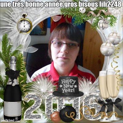 a vous tous mes amies une trés bonne année gros bisous de moi  regade mes amie les cadeau