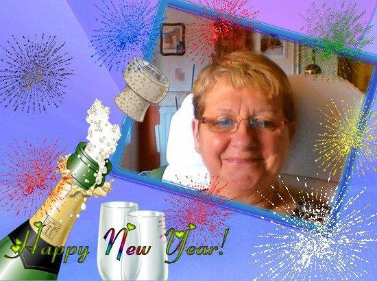 une trés bonne année mes amies et merci pour c'est joli cadeau gros bisous de moi lili2248