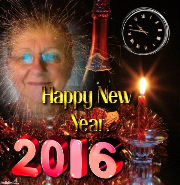 un grand merci pour ce trés joli cadeau et une trés bonne année a vous tous la famille gros bisous de moi lili2248
