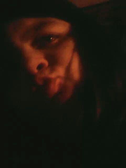 ses moi sur les photo la jai est dans ma chambre quand je me suis pris en photo avec ma tablette