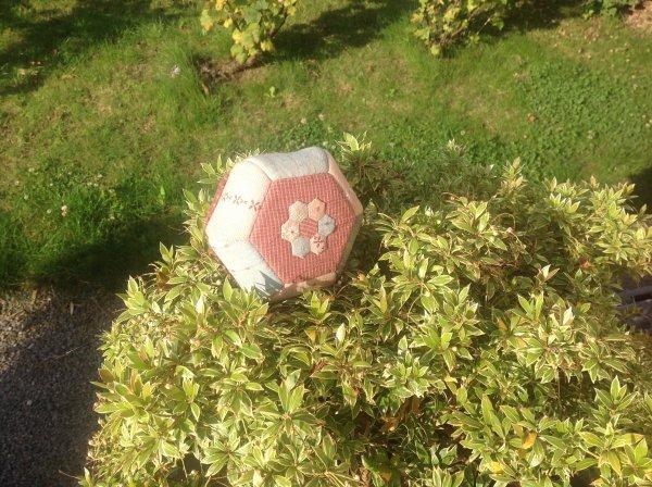Et voila ma jolie petite fleur transformée en petite poubelle de table hihilol