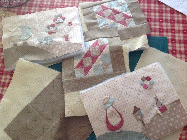 Et la un nouveau projet ...un ouvrage d'Emma petites mains,il y a pas mal de quilting aller hop mon aiguille m'attends....