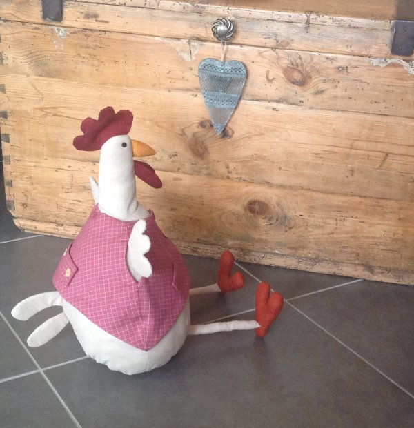 """Je suis fière de ma jolie poulette """" bloc porte """"une pure création de moi ...."""