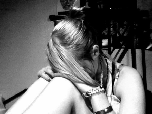 Un vrai ami, c'est celui qui, malgré ton sourire, voit que tu vas mal...