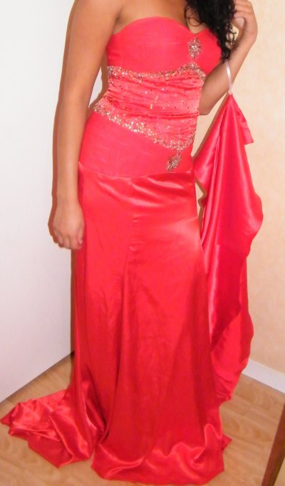 ROBE DE SOIREE ROUGE TAILLE 34