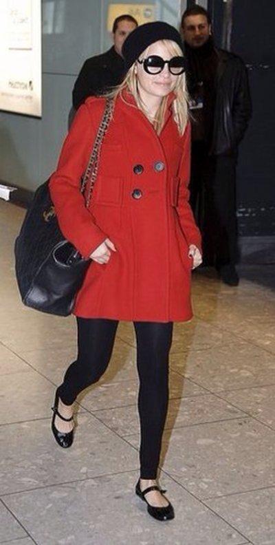 Nicole Richie à l'aeroport de Londres le 1er fevrier