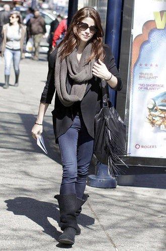Ashley Grenne dans la rue