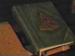 formule magique pour  invoquer la longue lignée des Halliwell en vue d'un sacrement