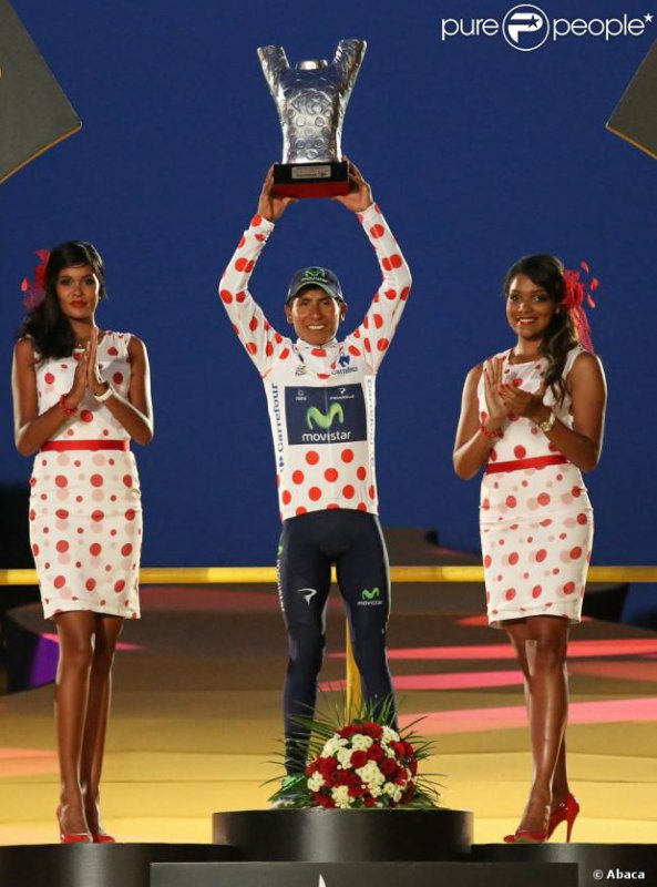 Les podiums sur les Champs Elysée.