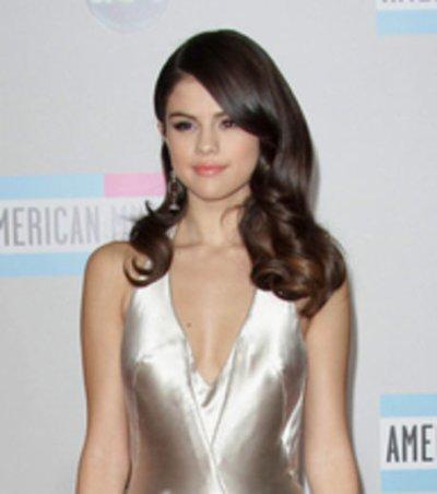 Selena Gomez vient de prendre la place de Miley Cyrus