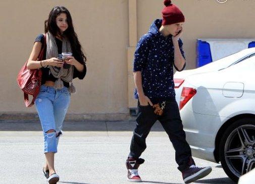5 avril 2012 Selena Gomez et Justin Bieber dans Los Angeles.