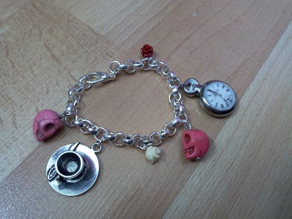 Bracelet alice in wonderland