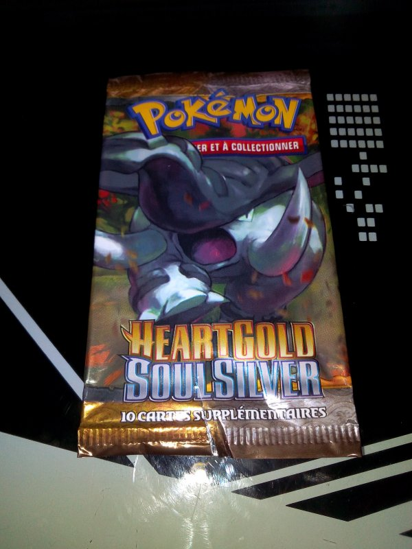 ma collection de booster pokemon Heart gold Soul silver
