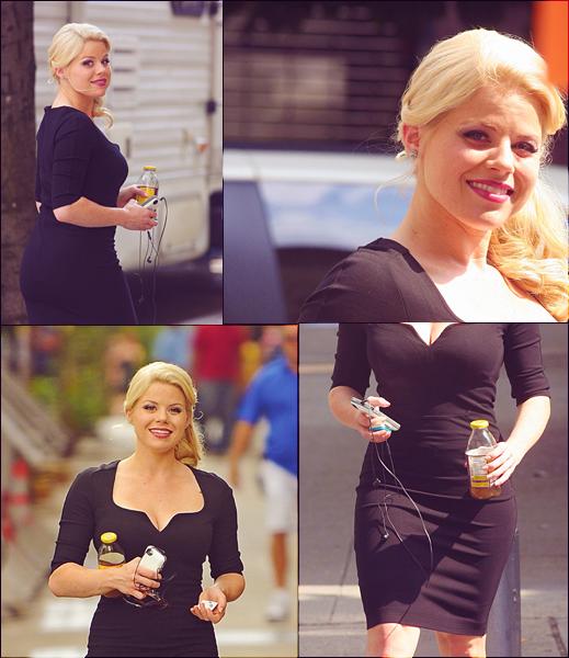 23/07/12: Megan aperçue sur le set de SMASH pour le tournage de la saison 2 de la série. Elle portait une magnifique robe noir moulante en coton avec des escarpins noirs classiques.