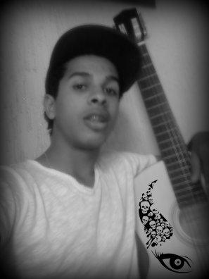 Miii and guitar ♥