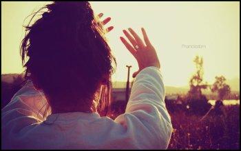. ♥ . Il y a beaucoup de choses dans la vie qui me sautent aux yeux mais peu qui atteignent mon coeur. .