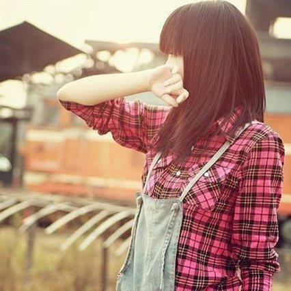 Ce moment horrible quand tu as les larmes aux yeux, mais que tu retiens pour pas faire voir ta tristesse.