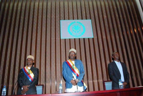 Allocution de son Excellence, Dr ABDOU OUSSENI Président de l'Assemblée de l'Union des Comores