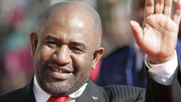 Bravo M.AZALI ! Les Comores ont-elles réellement tourné la page des années noires?