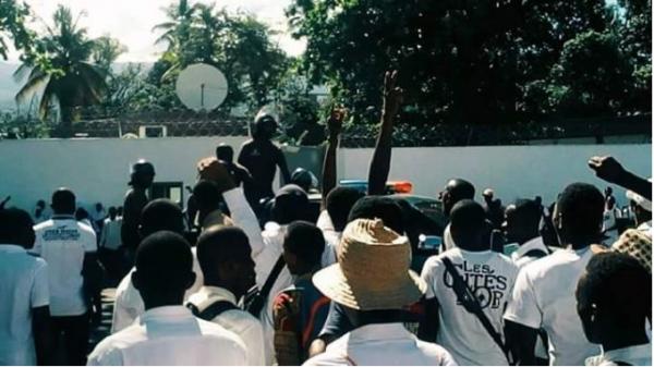 Lycée SAID MOHAMED CHEIK : les forces de l'ordre ont tiré à balle réelle sur les élèves