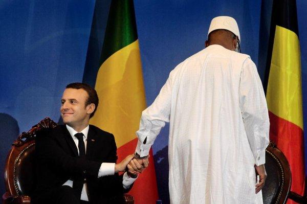 France-Afrique : Le président MACRON sur les pas de ses aïeux…