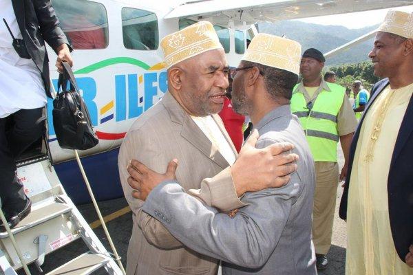 Crise politique aux Comores : Le président AZALI a le gouverneur SALAMI en ligne de mire