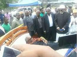 M. Assoumani AZALI a-t-il la compétence mentale requise pour pouvoir continuer à diriger les Comores?