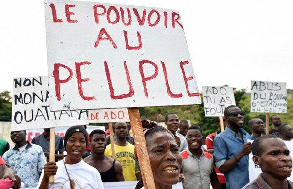L'africain peut-il s'élever à partir de La démocratie du réseau?