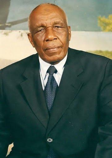Un hommage à Monsieur Mohamed Hassanaly : Kwalou inallillah wa ina illahiradjioune !