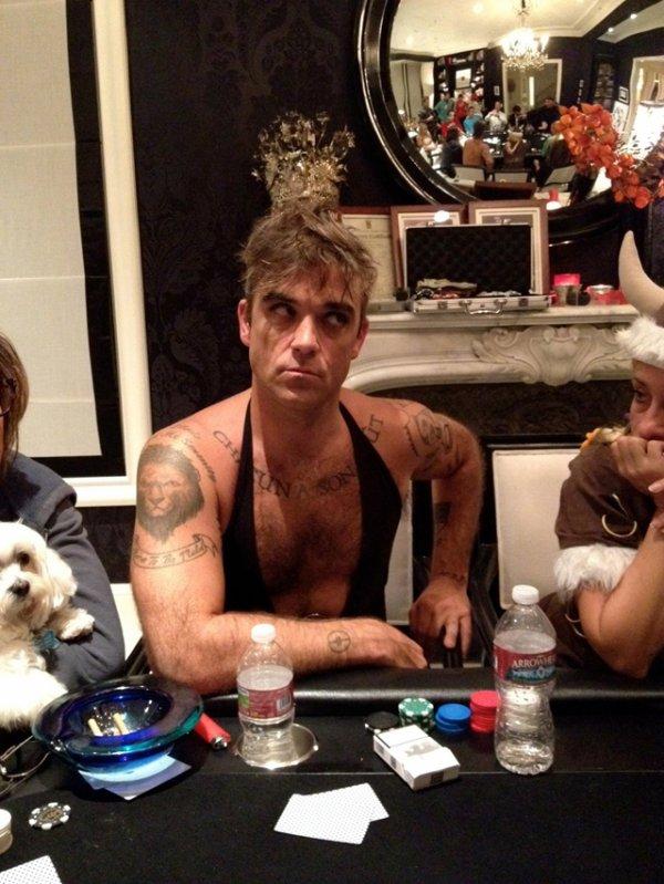 Robbie Joue au Poker