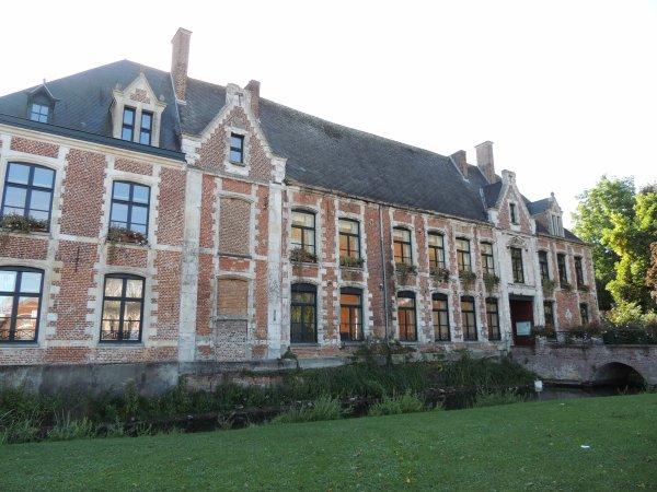 Chateau de Robersart Musée de la poupée