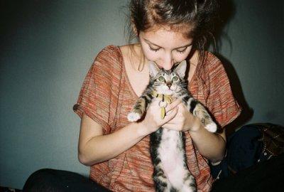 « Dieu a inventé le chat pour que l'homme ait un tigre à caresser chez lui. »           Victor Hugo