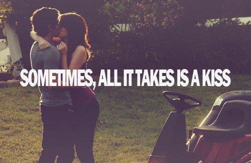 Il me suffis d'un de tes baisers pour me rendre heureuse. je ne veux que toi et personne d'autre.