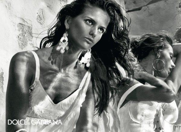 . Izabel Goulart & Alessandra Ambrosio | Dolce & Gabbana S/S 11 by Steven KleinTrès déçue!