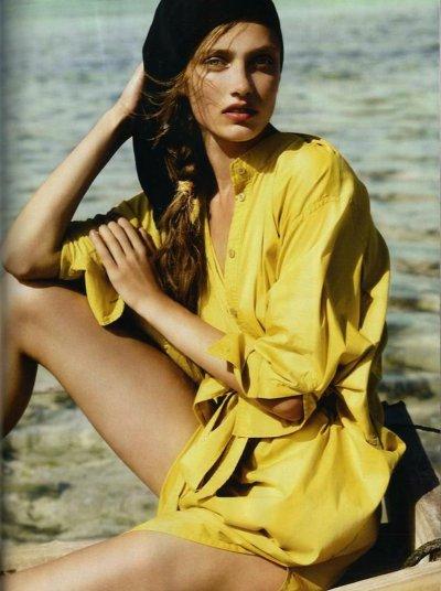 Vogue UK Mars 2011