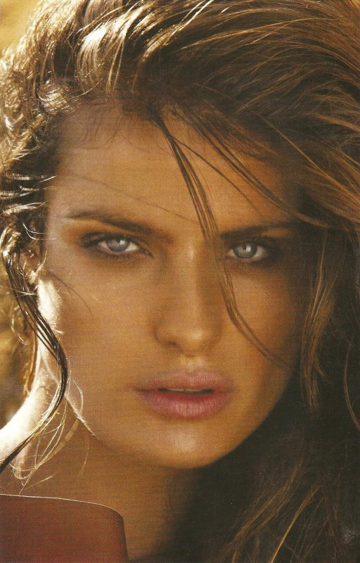 Isabeli Fontana | Vogue Turquie Novembre 2011